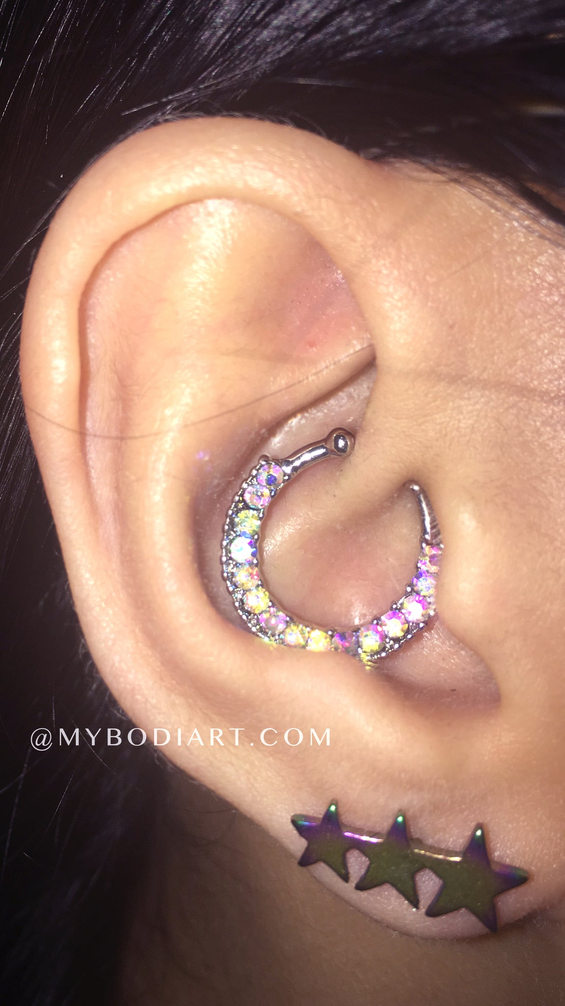 Different Unique Ear Piercing Ideas for Girls - la perforación del oído chicas idea - www.MyBodiArt.com