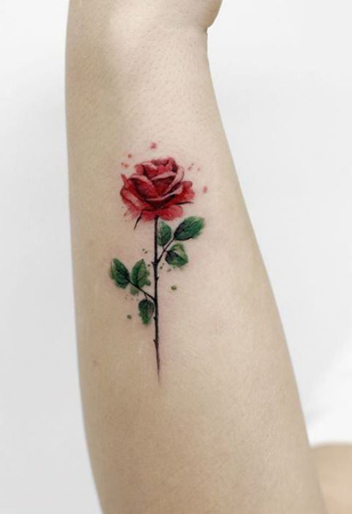 Cute Small Single Red Rose Wrist Tattoo Ideas for Women -  Pequeñas ideas únicas del tatuaje de la muñeca de Rose roja solo para las mujeres - www.MyBodiArt.com