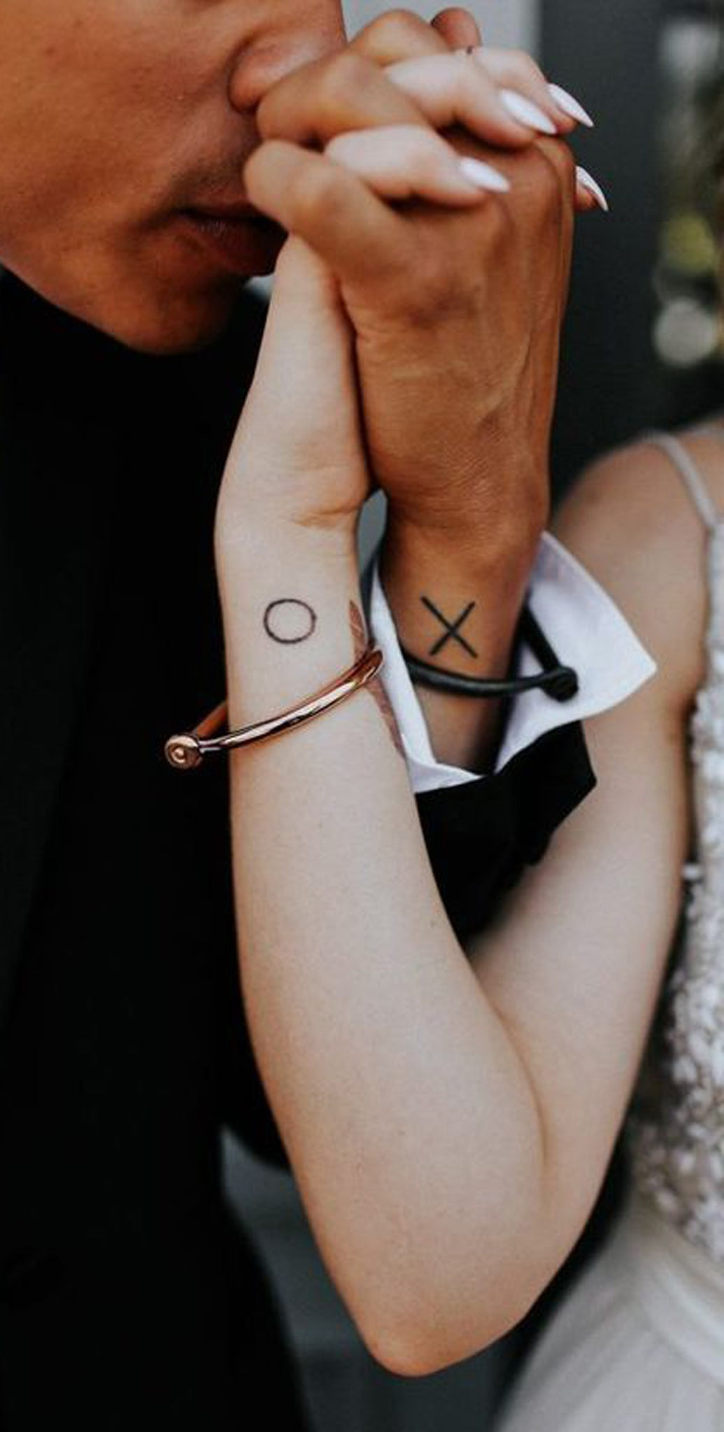 Cute Matching Couple Tattoo Ideas - Small XO Wrist Tatouage for Girlfriend Boyfriend -  Ideas Del Tatuaje - www.MyBodiArt.com