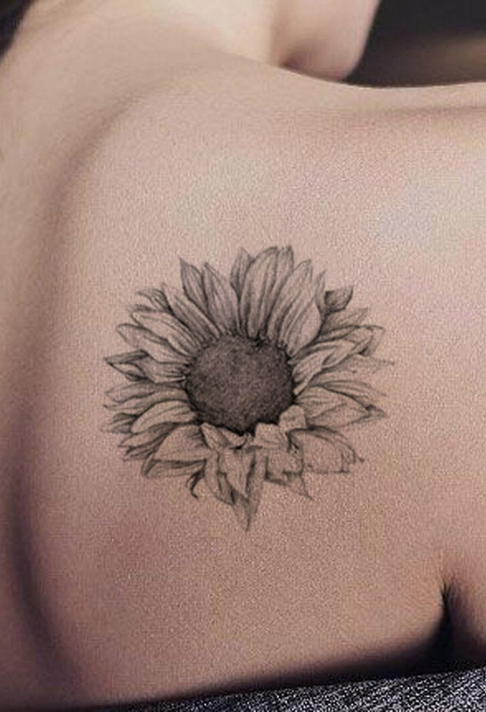 Realistic Black Sunflower Shoulder Tattoo Ideas for Women - Delicate Vintage Floral Flower Arm Tat - ideas de girasol hombro tatuaje para mujeres - www.MyBodiArt.com #tattoos