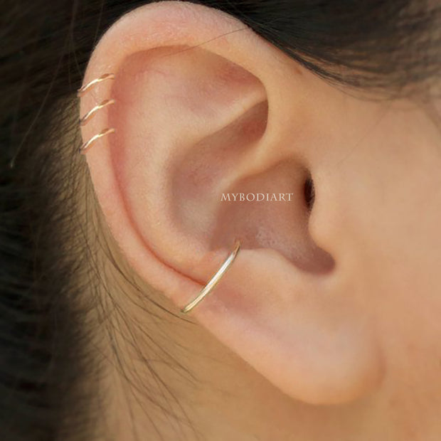 Simple Minimalist Triple Cartilage Helix Ear Piercing Ring Hoop Gold -  ideas de piercing de cartílago - www.MyBodiArt.com