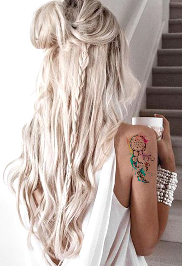 Watercolor Dreamcatcher Shoulder Tattoo Ideas for Women - Small Rainbow Feather Colorful Boho Arm Tat -Acuarela Dreamcatcher Hombro Ideas de tatuaje para mujeres- www.MyBodiArt.com