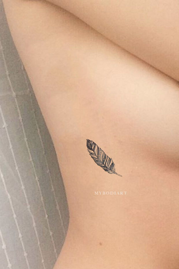 Cute Small Black Feather Leaf Rib Temporary Tattoo Ideas for Women -  Ideas de tatuaje de costilla de plumas pequeñas para mujeres - www.MyBodiArt.com