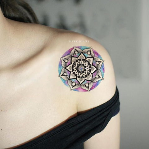 Beautiful Watercolor Black Mandala Shoulder Tattoo Ideas for Women -  ideas de tatuaje de hombro de mandala para mujeres - www.MyBodiArt.com #tattoos