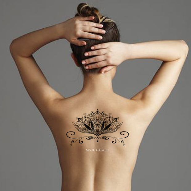 Popular Lotus Mandala Back Tattoo Ideas for Women - Trending Boho Tribal Black Henna Spine Tat -    Ideas de tatuaje de loto atrás - www.MyBodiArt.com