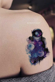 Beautiful Cool Watercolor Stars Planets Moon Astronaut Shoulder Tattoo Ideas for Women - ideas del tatuaje del hombro de la galaxia para las mujeres - www.MyBodiArt.com #ttattoos