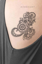 Meaningful Black Henna Floral Rib Tattoo ideas Lace Mandala Flower Lotus Side Rib Tattoos for Women  -  Ideas de tatuaje de costilla floral para mujeres - www.MyBodiArt.com