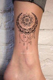 Boho Moon Ankle Tattoo Tribal Mandala Chandelier Lace Lotus -  ideas del tatuaje del tobillo de la luna negra -www.MyBodiArt.com #tattoos