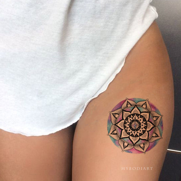 Cool Unique Watercolor Black Mandala Thigh Tattoo Ideas for Women -  ideas de tatuaje de muslo mandala para mujeres - www.MyBodiArt.com #tattoos