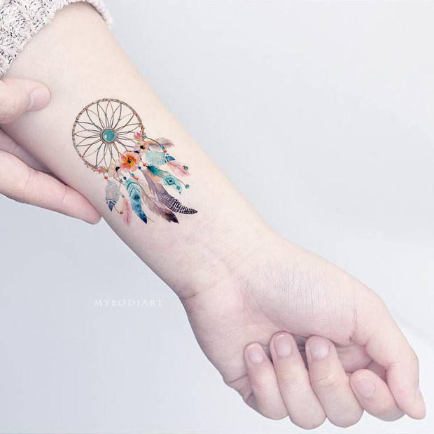 Tribal Boho Watercolor Beautiful Dreamcatcher Leaf Wrist Tattoo Ideas for Women -  ideas tribales del tatuaje de la muñeca para las mujeres - www.MyBodiArt.com #tattoos