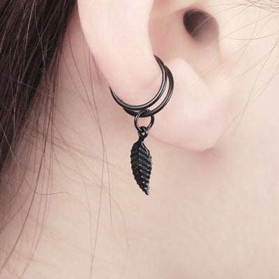 Unique Cartilage Conch Ear Piercing Ideas for Women - Modern Minimalist Leaf Feather Ear Cuff Earrings for Women - ideas únicas de perforación de orejas de hoja para las mujeres - www.MyBodiArt.com #earrings