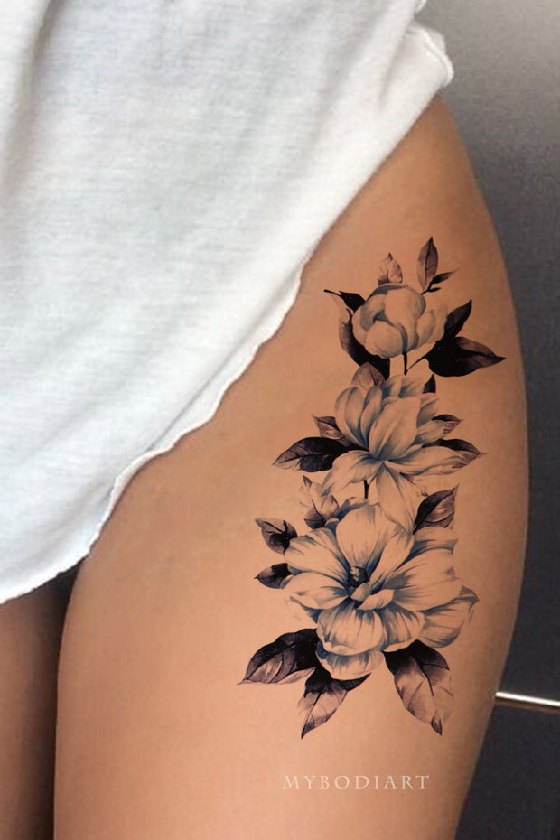 Beautiful Blue Waterolor Floral Flower Thigh Tattoo Ideas for Women -  ideas florales azules del tatuaje del muslo de la flor para las mujeres - www.MyBodiArt.com #tattoos