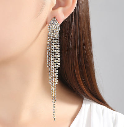 Formal Ear Piercing Ideas for Women - Sparkly Long Crystal Chain Dangle Drop Earrings for Prom - Ideas formales de perforación del oído para mujeres - www.MyBodiArt.com #earrings #prom