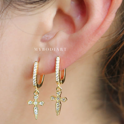 Unique Multiple Ear Piercing Ideas for Teens - Crystal Small Hoop Dangle Cross Earrings in Gold - Idées uniques de perçage d'oreilles multiples pour les adolescents - www.MyBodiArt.com #earrings