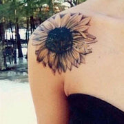 Vintage Black Sunflower Shoulder Tattoo Ideas for Women -  Ideas del tatuaje del hombro de la flor para las mujeres - www.MyBodiArt.com