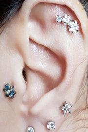 Cute Triple Star 3 Crystal Cartilage Helix Ear Piercing Ideas for Women -  Linda estrella cartílago oreja piercing ideas - www.MyBodiArt.com