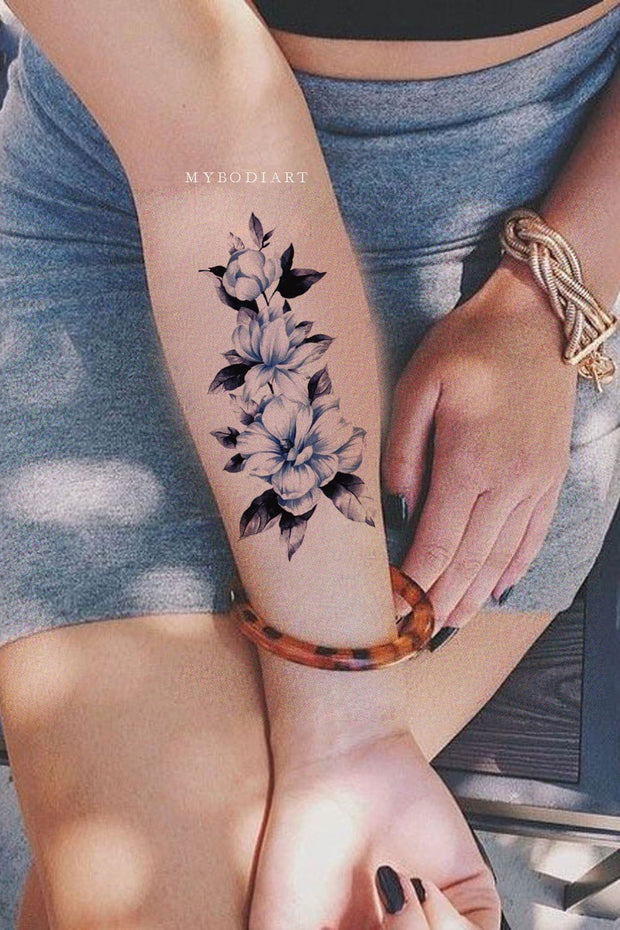 Blue Floral Beautiful Vintage Watercolor Forearm Tattoo Ideas for Women -  Ideas de tatuaje de antebrazo de flor azul para mujeres - www.MyBodiArt.com #tattoos