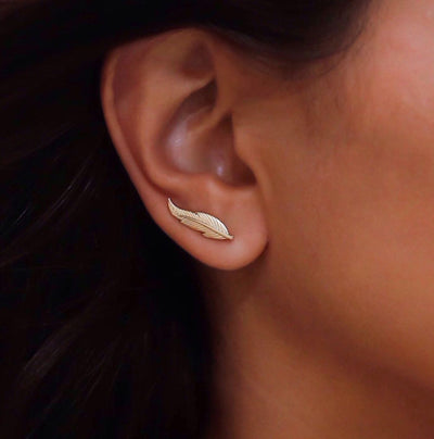 Cute Boho Ear Piercing Ideas for Women - Antiqued Leaf Ear Climber Crawler Earring in Gold or Silver - idées de piercing oreille boho pour les femmes - www.MyBodiArt.com #earrings