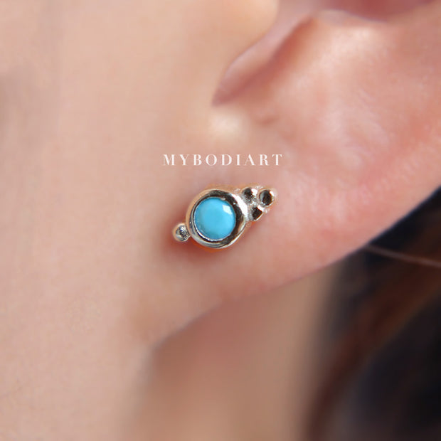 Tribal Boho Ear Piercing Ideas for Women Dainty Small Turquoise Cartilage Conch Lobe Helix Earring Studs Jewelry in Gold or Silver ideas bohemias del oído de la turquesa que perforan para las mujeres www.MyBodiArt.com #earrings