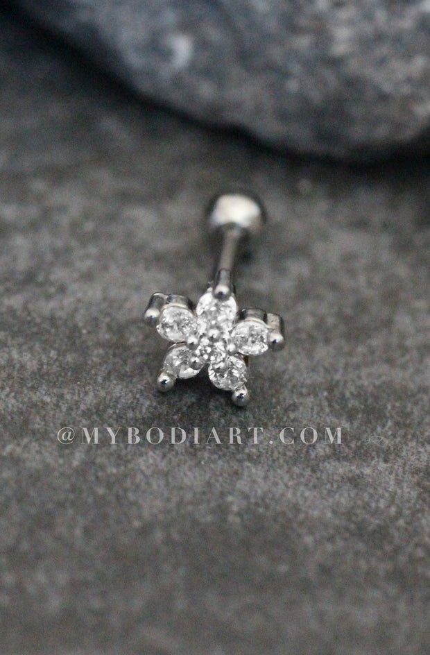 Cute Multiple Ear Piercing Ideas for Teenagers - Minimalist Classy Dainty Crystal Flower 16G Earring Stud for Cartilage, Helix, Conch, Tragus - Linda oreja múltiple Piercing Ideas para adolescentes - www.MyBodiArt.com #earrings