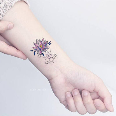 Cute Small Watercolor Tribal Lotus Floral Flower Wrist Temporary Tattoo Ideas for Women -  Ideas lindas del tatuaje de la muñeca del loto para las mujeres - www.MyBodiArt.com #tattoos