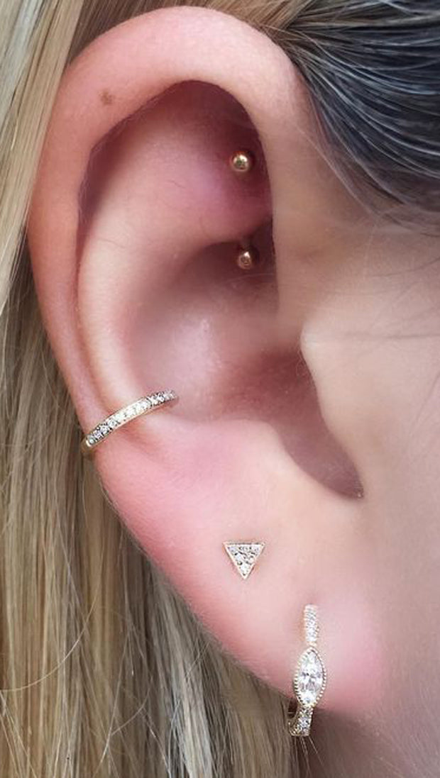 Simple Rook Jewelry Cute Ear Piercing Ideas for Women for Teens Curved Barbell -  ideas simples de piercing de la torre - www.MyBodiArt.com