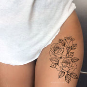 Realistic Rose Outline Black Floral Flower Thigh Side Temporary Tattoo Ideas for Women - Ideas del tatuaje del muslo rosado para las mujeres - www.MyBodiArt.com #tattoos