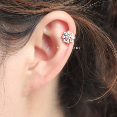 Cute Simple Cartilage Ear Piercing Ideas for Teens Crystal Flower Ear Cuff Earring Jewelry for Helix in Rose Gold - pendiente lindo del manguito del oído del cartílago de flores de cristal - www.MyBodiArt.com #earrings