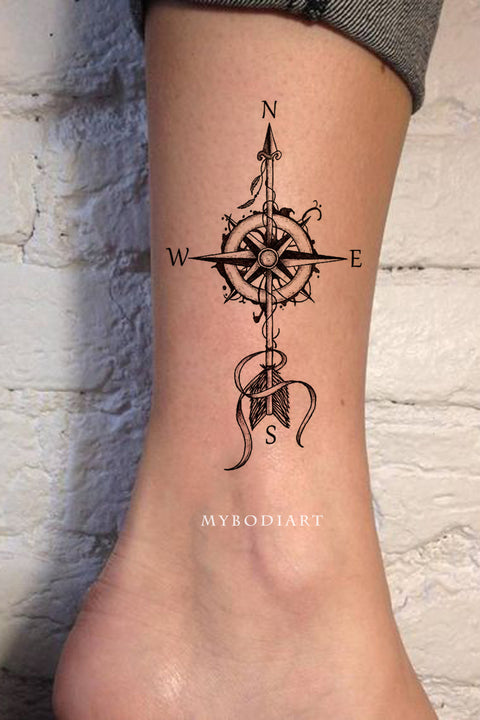 Unique Trendy Black Compass Ankle Tattoo Ideas for Women - ideas de tatuaje de tobillo de brújula para mujeres - www.MyBodiArt.com #tatttoos