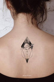 Cool Black & White Geometric Planet Galaxy Space Back Tattoo Ideas for Women - ideas de tatuajes de espalda de galaxia para mujeres - www.MyBodiArt.com