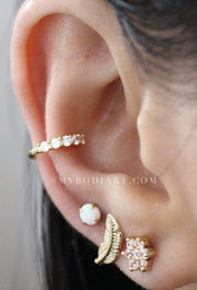 Cute Classy Ear Piercing Ideas for Women - Simple Cartilage Conch Helix Crystal Earring Ring Hoop - lindas ideas para perforar orejas para chicas adolescentes - www.MyBodiArt.com #earrings