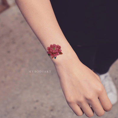 Cute Small Watercolor Floral Flower Wrist Tattoo Ideas for Women -  Ideas de tatuaje de muñeca pequeña flor para mujeres - www.MyBodiArt.com