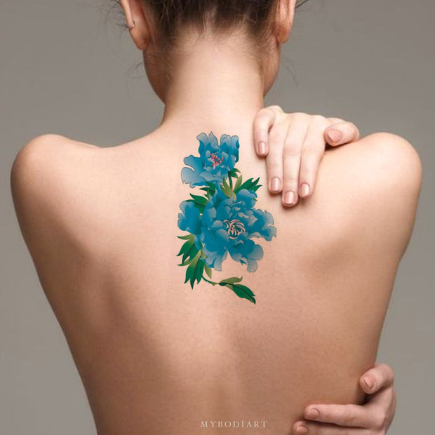 Realistic Watercolor Blue Back Floral Flower Temporary Tattoo Ideas for Women -  Ideas de tatuajes con hermosas flores florales azules para mujeres - www.MyBodiArt.com