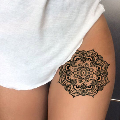 Geometric Mandala Thigh Tattoo Ideas for Women - Black Henna Tribal Boho Lotus Leg Tat - ideas del tatuaje mandala muslo para las mujeres - www.MyBodiArt.com #tattoos
