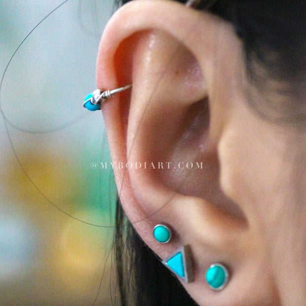Boho Multiple Ear Piercing Ideas for Teen Girls - Triangle Turquoise Cartilage Conch Helix Tragus Earring Studs in Silver 16G - lindas perforaciones múltiples Ideas para niñas adolescentes - www.MyBodiArt.com #earrings