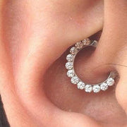 Unique Daith Ear Piercing Jewelry Ideas for Women - lindas ideas para perforar orejas para mujeres - www.MyBodiArt.com
