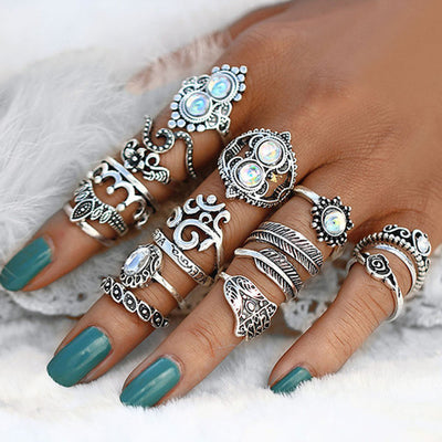 Opal Boho Ring Set in Silver - Cute Stackable Vintage Antiqued Multiple Midi Rings Fashion Jewelry -conjunto de anillo de plata opal bohemio - www.MyBodiArt.com