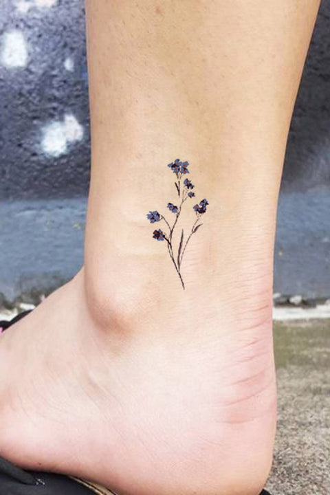 Simple Small Wildflower Ankle Tattoo Ideas for Women - ideas pequeñas del tatuaje del tobillo de la flor salvaje para las mujeres - www.MyBodiArt.com #tattoos