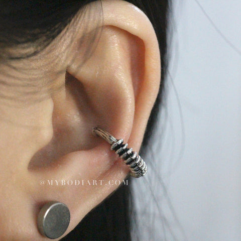 Cool Ear Piercing Ideas for Women - Fake Metal Ear Gauge Plug Tunnel Earrings in Silver, Gold, Black, Rainbow, Sizes: 5mm, 8mm, 10mm, 12mm - ideas frescas para piercing en la oreja para mujeres www.MyBodiArt.com #earrings