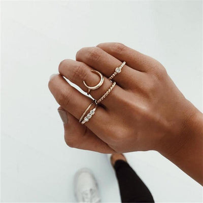 Cute Boho Gold Rings Set Simple Moon Stackable Tribal Vintage Midi Ring - Anillo bohemio de oro con detalles para mujeres - www.MyBodiArt.com #rings