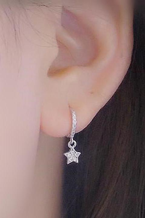 Cute Multiple Ear Piercing Ideas for Teenagers - Dainty Crystal Star Moon Cartilage Helix Earring Ring Hoop for Teen Girls -  lindas ideas de piercing múltiples para adolescentes - www.MyBodiArt.com