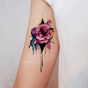 Beautiful Watercolor Floral Flower Rose Arm Bicep Tattoo Ideas for Women -  Ideas lindas del tatuaje del bíceps del brazo de la rosa para las mujeres - www.MyBodiArt.com #tattoos