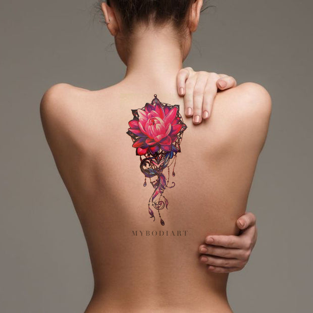 Cool Watercolor Lily Long Back Tattoo Ideas for Women - Pink Floral Flower Lotus Spine Tat for Teen Girls -ideas rosas rosadas del tatuaje del loto de la acuarela para las mujeres - www.MyBodiArt.com #tattoos