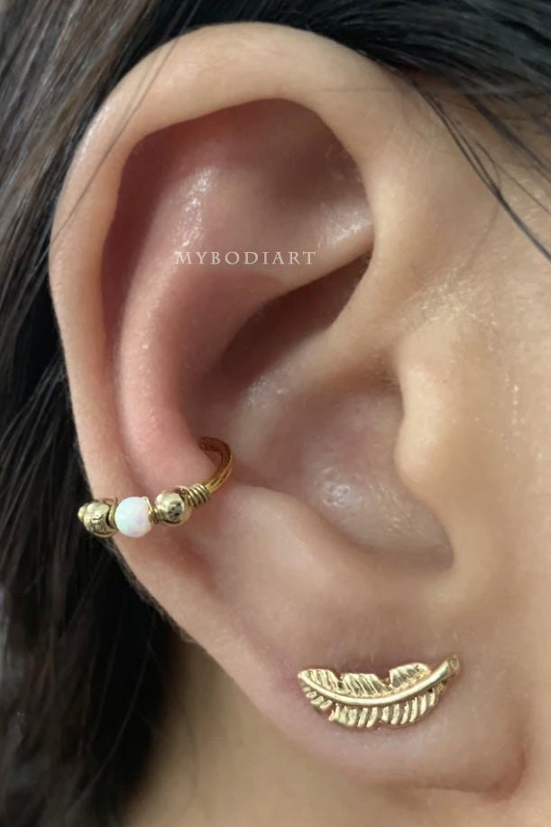 Cute Opal Ring Hoop Earring Conch Cartilage Helix Ear Piercing Jewelry Ideas for Women -  ideas de joyería piercing en la oreja - www.MyBodiArt.com #piercings