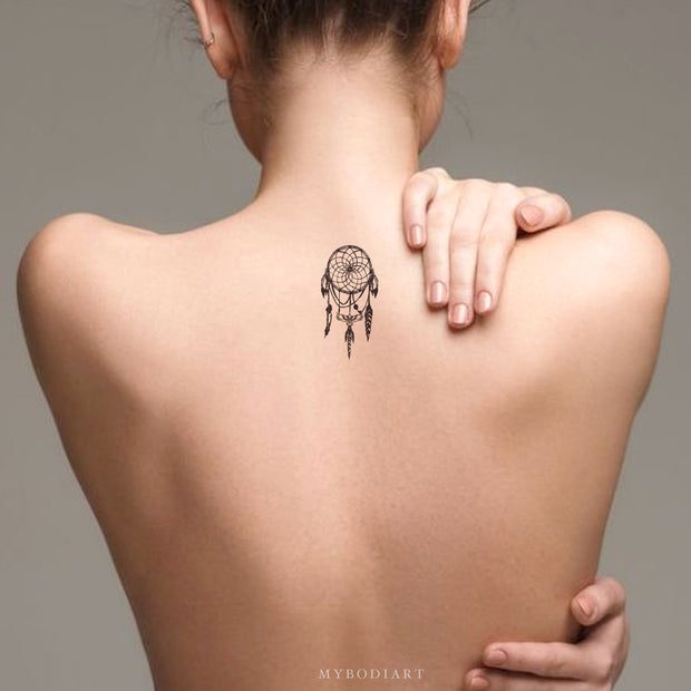 Cute Small Black Dreamcatcher Back Tattoo Ideas for Women - Atrapasueños ideas de tatuajes para mujeres - www.MyBodiArt.com #tatttoos