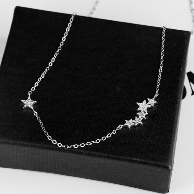 Simple Dainty Triple Crystal Star Necklace in Silver -  Collar de estrella de cristal triple elegante simple en plata www.MyBodiArt.com