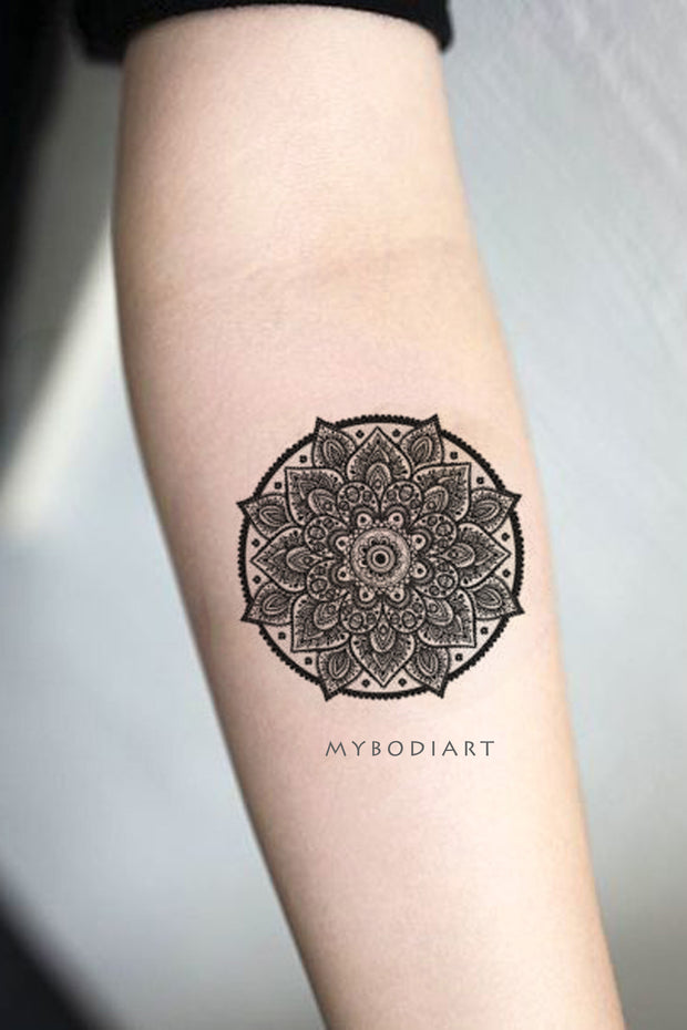 Popular Black Henna Mandala Forearm Tattoo Ideas for Women -  Ideas populares de tatuaje de antebrazo para mujeres - www.MyBodiArt.com