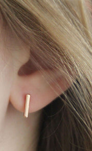 Minimalist Cute Ear Piercing Ideas for Women - Wired Metal T-Bar Earring Studs Set Fashion Jewelry - lindas y minimalistas ideas para perforar orejas - www.MyBodiArt.com