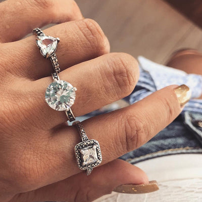 Simple Beautiful Fashion Ring Set Multiple Stackable Crystal Engagement Promise Rings for Women - hermoso anillo de cristal -  www.MyBodiArt.com #rings