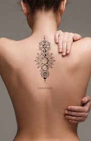 Cool Moon Phases Back Tattoo Ideas for Women Black Geometric Mandala Spine Tat - fases lunares únicas ideas de tatuaje para mujeres -  www.MyBodiArt.com #tattoos